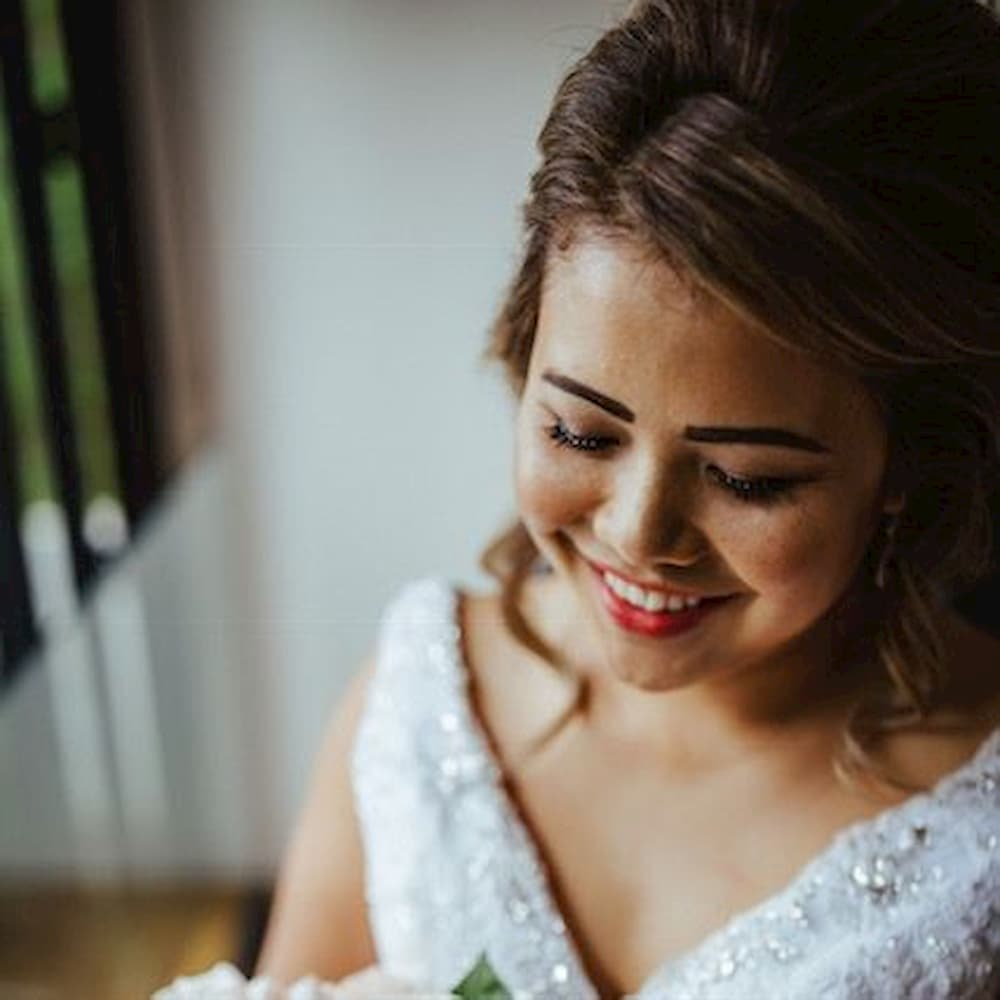 Chinese Bridal Makeup and Hair
